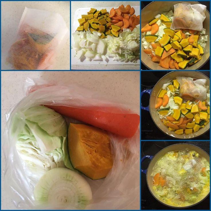 いいね!44件、コメント11件 ― caccoさん(@c_cc_c)のInstagramアカウント: 「友から送られてきたダイエット野菜スープのレシピ。玉ねぎ、キャベツ、人参、南瓜を100gずつを細かくカット。1ℓの水、野菜のヘタ(南瓜の種も)をパックにして投入、グツグツ煮る。器に入れてから最小限の塩胡椒で食べる。ミキサーでポタージュにしても良い。」