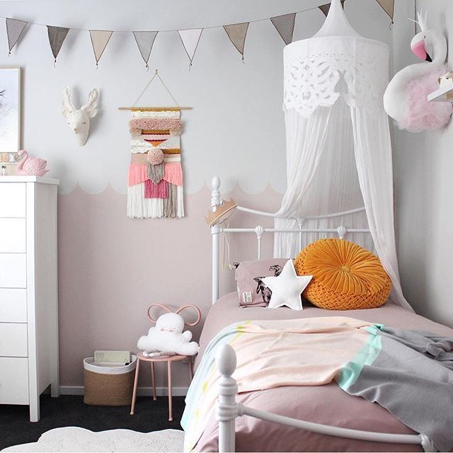Super pretty girls room by clever @beaumondemama - those colours though  #mintymagazine #kidsroom #nurseryinspo