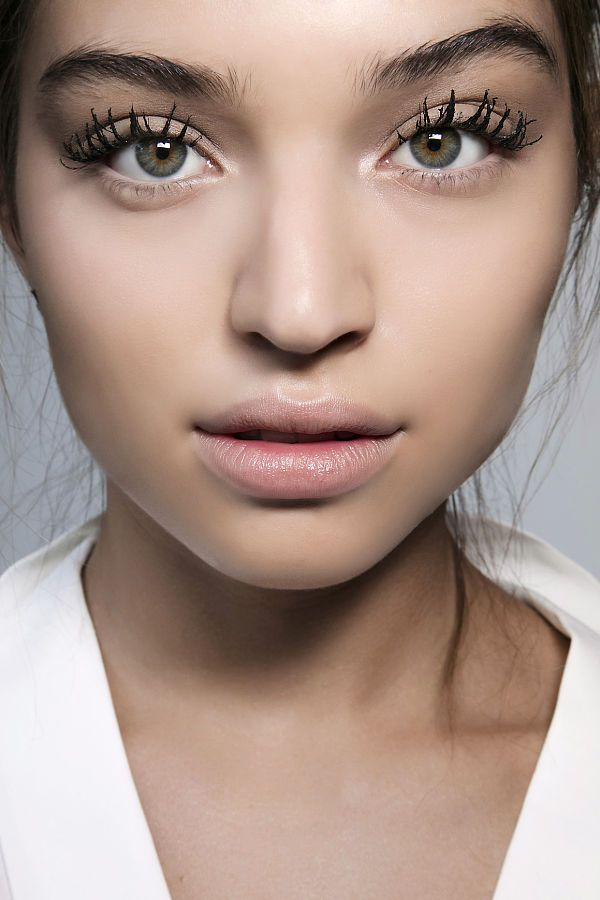 6 вариантов макияжа глаз, которые можно создать с помощью туши