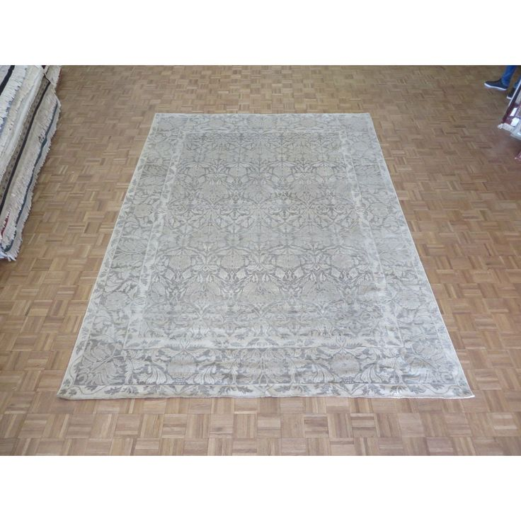 Peshawar Hand-knotted Rug