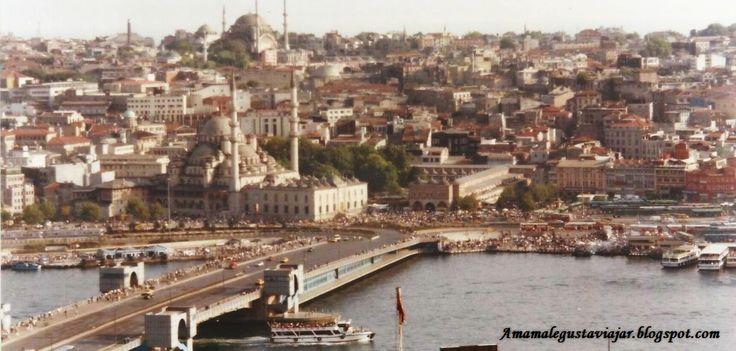 Bazar de las especias y puente sobre el Bósforo desde Torre Galata. (Estambul)