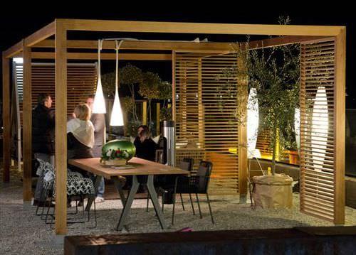 Holzpavillon isamserramenti