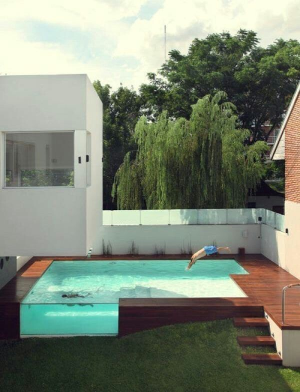 Making use out of the natural slope of the block, this residential pool is a showstopper.