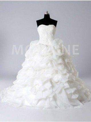 Robe de mariée princesse fleurs bouffante traîne chapelle organza