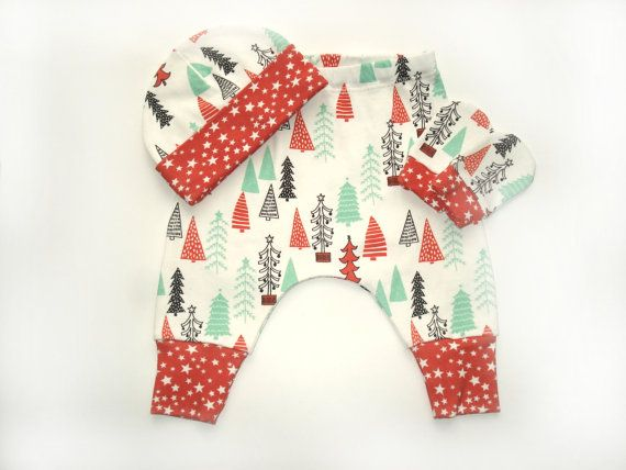 READY TO SHIP Organic cotton Clothing Set 0-3 months : Hat + Pants + mittens baby girl clothes Merry Christmas Gift Baby Christmas Outfit