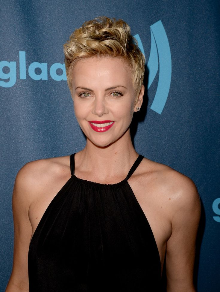 25 gorgeous charlize theron short hair ideas on pinterest charlize theron hair by enzo angileri for cloutier remix urmus Image collections