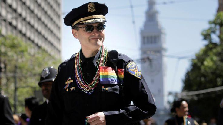 "U.S. gay pride parades sound a note of resistance — and face some of their own Sitemize ""U.S. gay pride parades sound a note of resistance — and face some of their own"" konusu eklenmiştir. Detaylar için ziyaret ediniz. http://www.xjs.us/u-s-gay-pride-parades-sound-a-note-of-resistance-and-face-some-of-their-own.html"