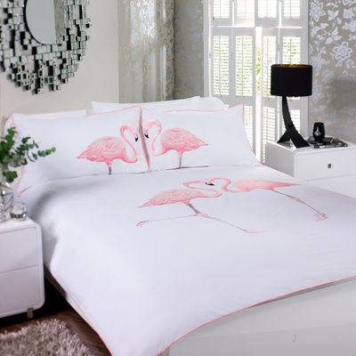 Nothing will give your bedroom a whimsical feel quite like this pink flamingo duvet set. The duvet cover and pillowcases are highly embroidered and the contrasting piping finishes the set off perfectly.