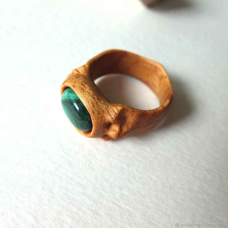 Купить Кольцо деревянное с зеленым камнем - кольцо деревянное, кольцо дерево, Кольцо с зеленым камнем #woodenring #woodcarving