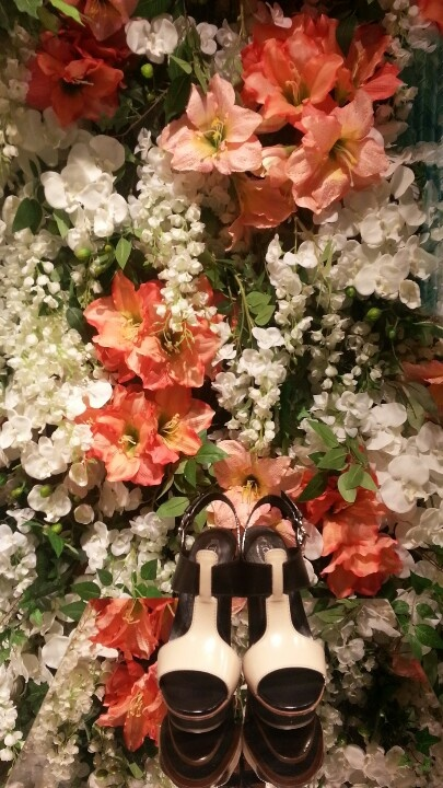 Flower wall shop window display TODS