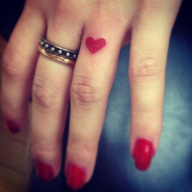 Best 25 heart finger tattoos ideas on pinterest small for Pink heart tattoo