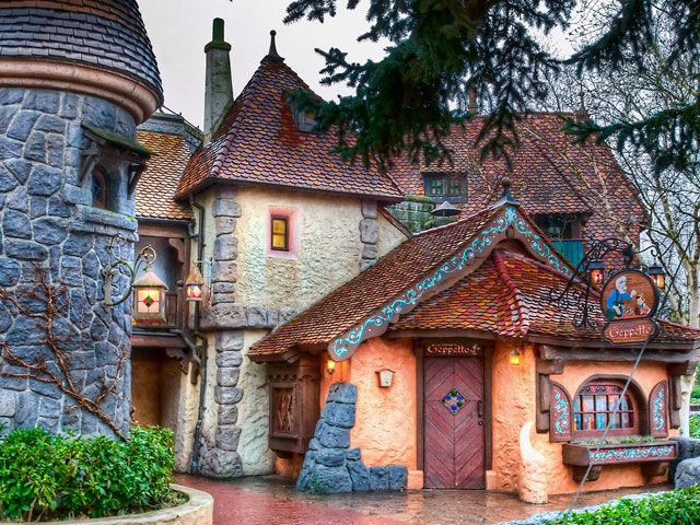 Planning a Trip to Disneyland Paris | Travel Tips and ...