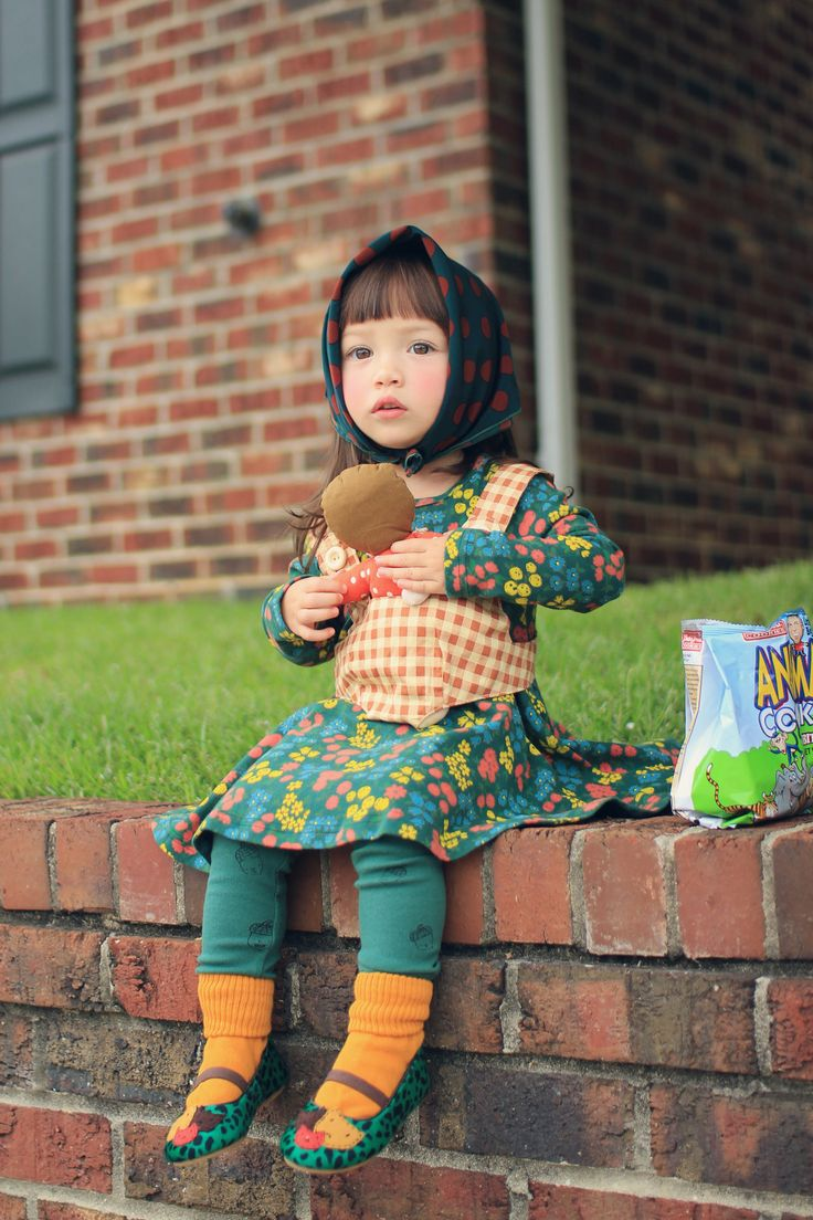 cutielittledimple:    Adorable girl and nice kid outfit