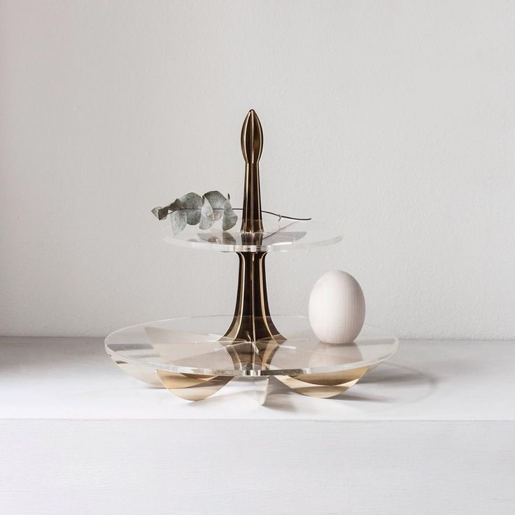 Golden Lily cake stand / be&liv