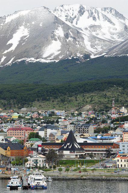 - Puerto de Ushuaia , Tierra del Fuego , Argentina . . .  //  Ushuaia Harbor , Tierra del Fuego , Argentina - . . .  @swami1951