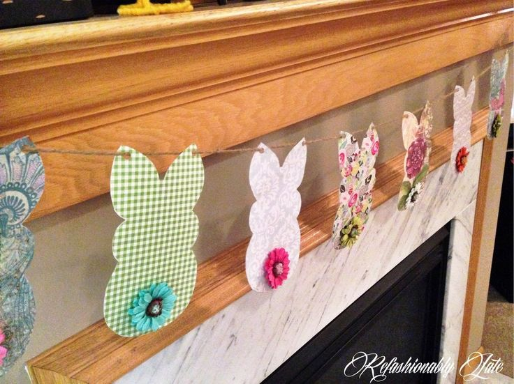 Last year we hosted Easter at our house and I wanted to do a few things to make the house festive.  We were still living in our rented townhome and lots of thin�