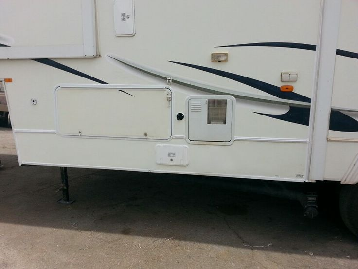 Repaired Lower Fiberglass This Rv Is Real Nice Siding