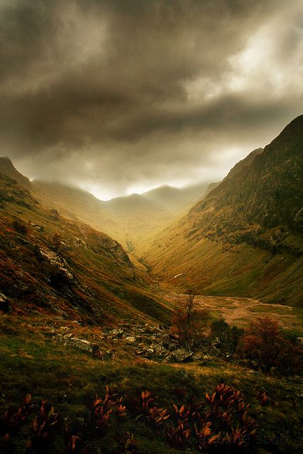 Coire Gabhail (the Lost Valley), from Beinn Fhada to Gearr Aonach.