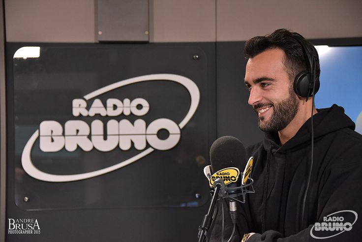 http://www.radiobruno.it/speciale-marco-mengoni-su-radio-bruno-tv-2/#*