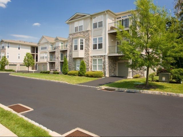 The Lantern Apartments Glen Mills Pa Apartments Glen Mills House Styles Apartment