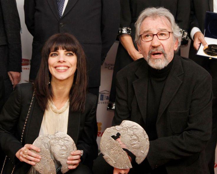 Los actores José Sacristán y Maribel Verdú durante los premios José María Forqué 2013.