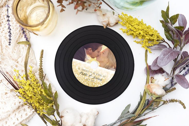 Vinyl Style CD Wedding Favors, Retro Vinyl CDs, CD Covers, CD Labels, Printed Vinyl CDs for wedding favors and Party Favors by BrossieBelle on Etsy https://www.etsy.com/listing/267519201/vinyl-style-cd-wedding-favors-retro