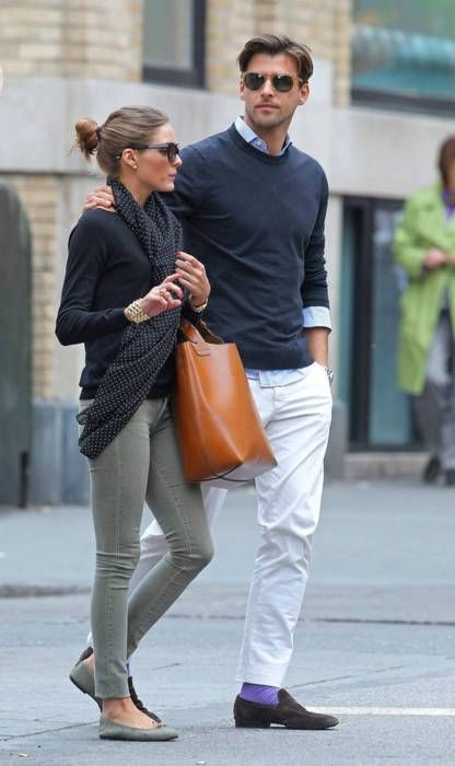 grey skinny jeans: Oliviapalermo, Sock, Style, Olivia Palermo, Casual Outfits, Casual Looks, Green Pants, Bags, Stylish Couple