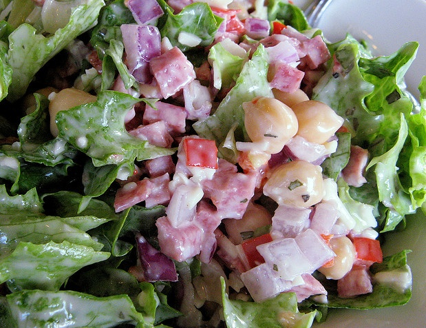I really like Pagliacci's Pagliaccio Salad, so I found the recipe to it.