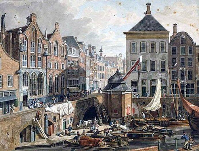 Oudegracht 1837. De kariatiden voor de Winkel van Sinkel werden met de Stadskraan gelost. Bij 't ophijsen brak de kraan