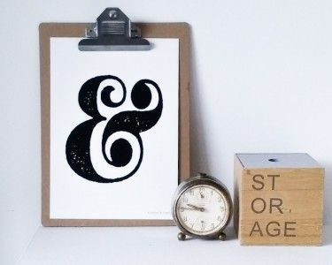 Het zijn de simpele dingen die het meest betekenen. Zo ook dit &-teken. Leuk voor in bijvoorbeeld de slaapkamer.