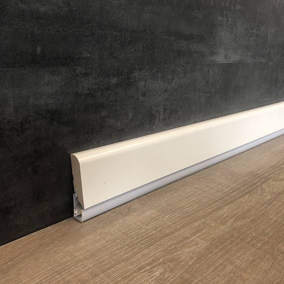 Wir Kombinieren Sockelleisten Mit Led Und Design Bestellen Sie Exklusive Led Licht Sockelleisten In 2020 Led