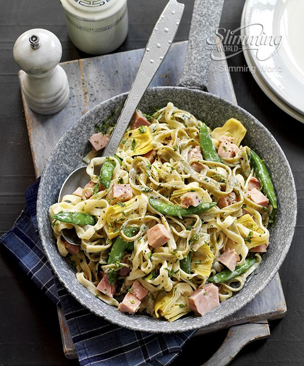This satisfying pasta dish is so simple to make yet it looks and tastes impressive.  Find the recipe here:  www.slimmingworldusa.com/recipes/creamy-ham-and-artichoke-tagliatelle.aspx