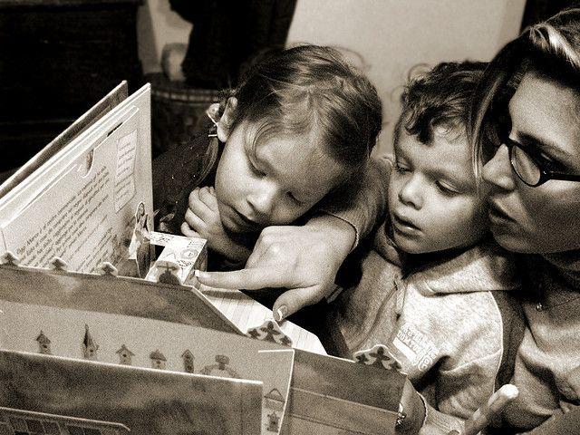 … con filosofia? E cosa c'entra la filosofia con i nostri figli? Cosa c'entra la filosofia con l'educazione? C'entra, e anche parecchio! Leggere per credere…