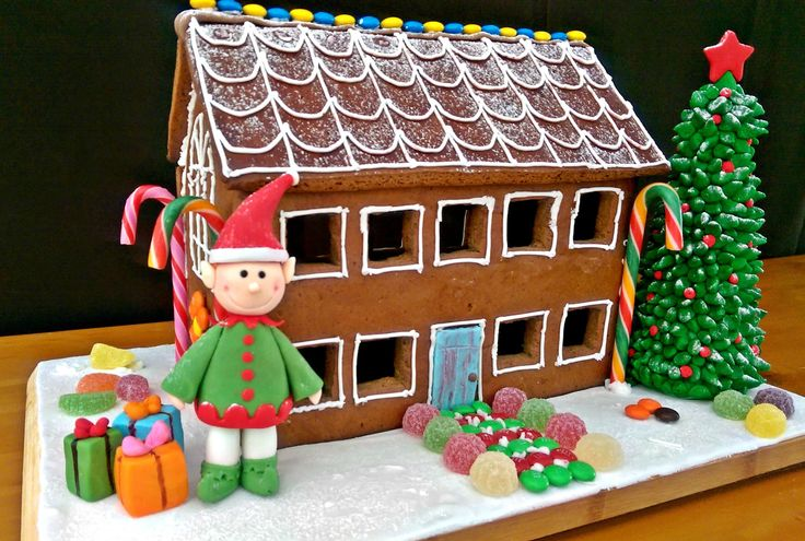 My 2nd gingerbread house project.  The first one's last year :) I made a promise to try to do better (level-up)  every year :)
