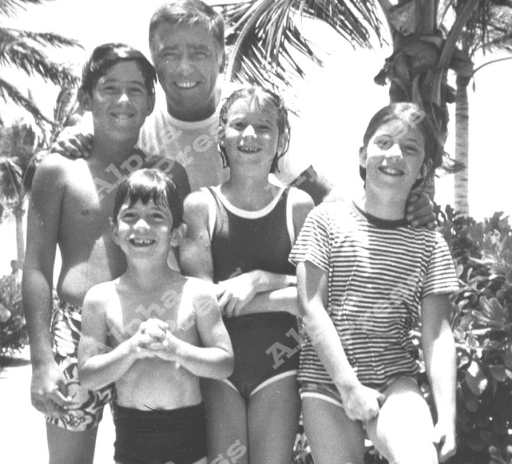 Happy days: John and Caroline Kennedy with their uncle Peter Lawford and his two children Chris and Sydney in Hawaii, 1966. ♡✿♡❁♡✾♡✽♡❃♡ http://en.wikipedia.org/wiki/John_F._Kennedy,_Jr. http://en.wikipedia.org/wiki/Caroline_Kennedy http://en.wikipedia.org/wiki/Peter_Lawford