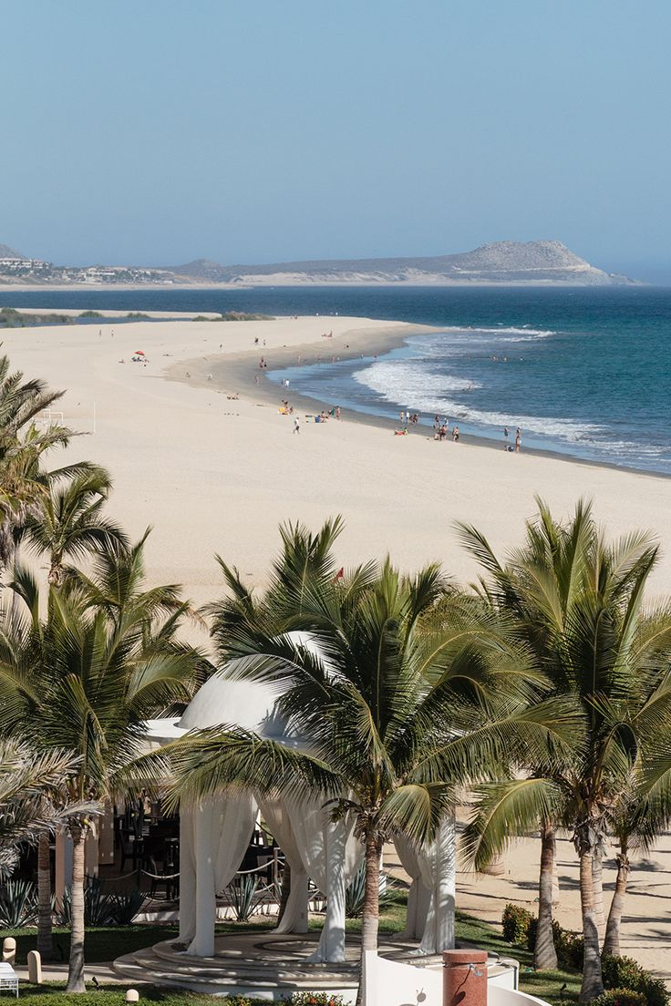 Perfect view of the beach at Hyatt Ziva Los Cabos. We're getting swept away in this view of paradise.