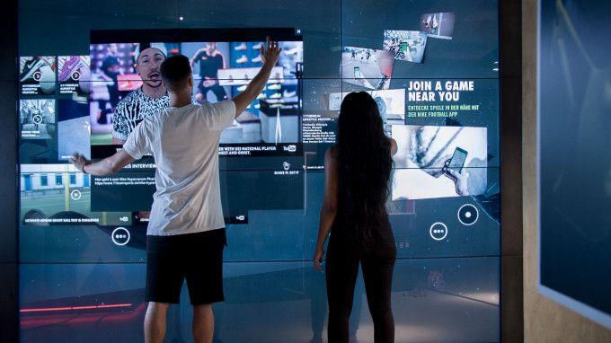 Nike mur tactile