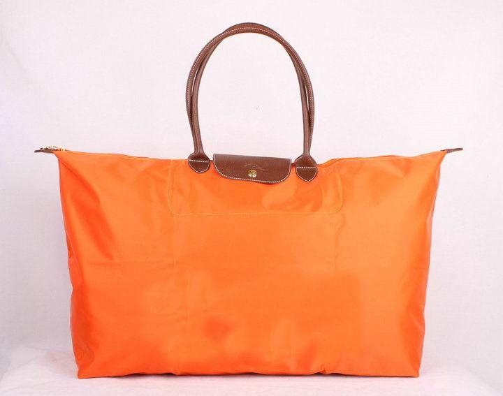 http://cheaplovelybags.com/images/201203/img/travelbag008.jpg