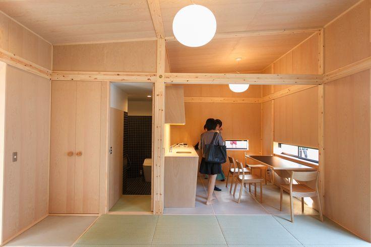 11月3日まで、六本木ミッドタウンで行われている 「MUJI HUT(小屋)」の展示。 その初日となる10月30日、関係者向けのプレスツアーが行われ