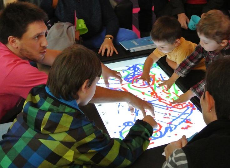 Digitale Coffee Table dessin - octobre 2012  http://grenoble-numerique.fr/table-tactile-du-reve-a-la-realite/