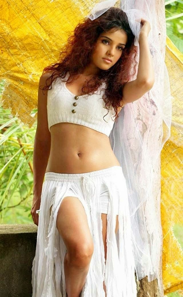 Tamil Actress Piaa Bajpai Latest Spicy Photo Shoot Photos -1477
