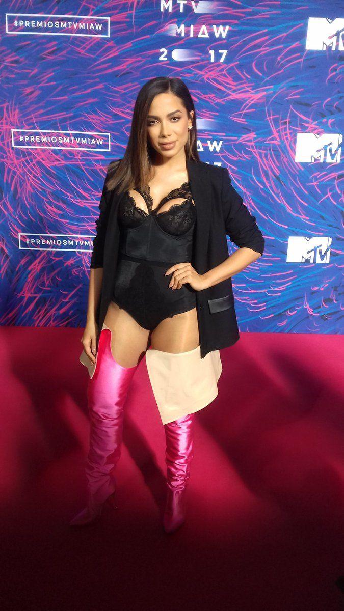 Anitta en los premios MIAW
