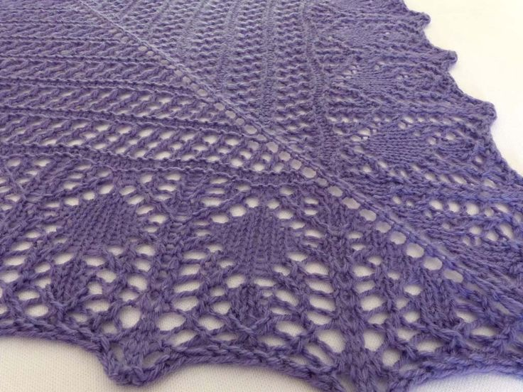 The GLAM SHELL shawl I knitted myself