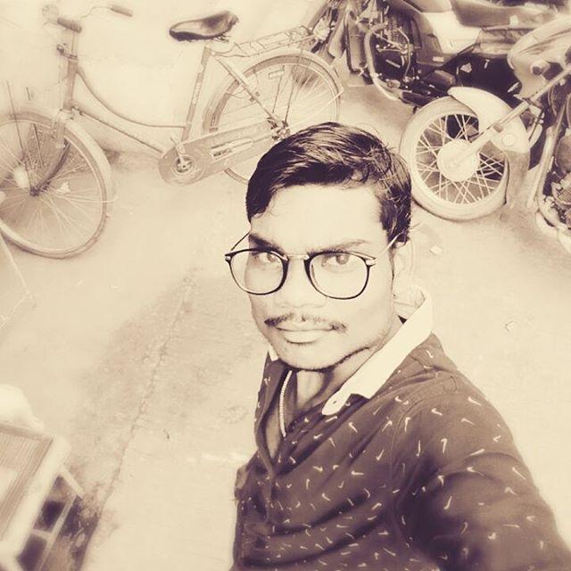 Tushar Kumbhre (@tusharkumbhre) • Instagram-kuvat ja -videot