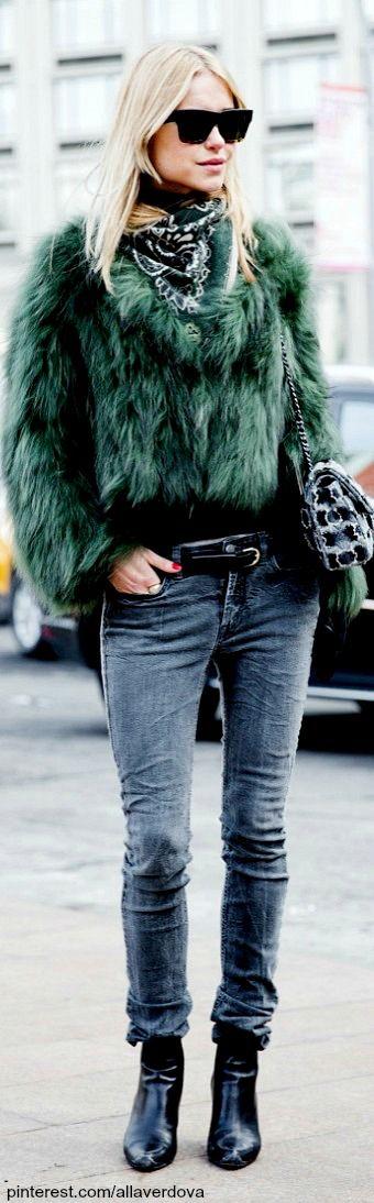 Fur Jacket • Street CHIC • ❤️ Curated by Babz™ ✿ιиѕριяαтισи❀ #abbigliamento