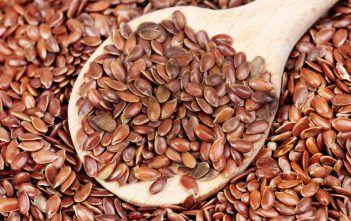 Iată ce se întâmplă în corpul tău dacă consumi zilnic semințe de in timp de o lună! Nu credeai că se poate întâmpla asta!