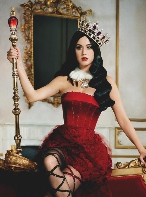 KATTY PERRY base a grat stile so why not copy her