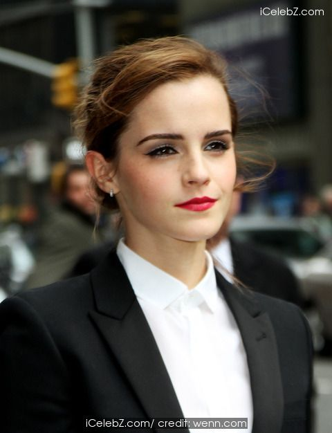 Emma Watson arrive for the Late Show with David Letterman at the Ed Sullivan Theater http://www.icelebz.com/events/emma_watson_arrive_for_the_late_show_with_david_letterman_at_the_ed_sullivan_theater/photo10.html