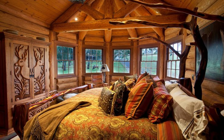 Rustic Interior Design For Interesting Home Decoration: Enchanting Rustic Interior Design With Alaskan King Bed And Decorative Pillows For Rustic Bedroom Design