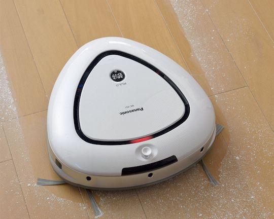 panasonic-rulo-triangular-vacuum-cleaner-robot-2